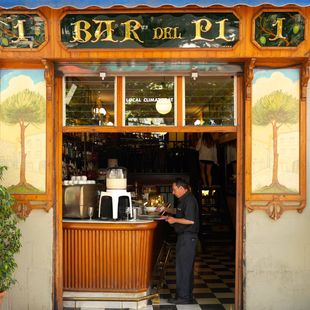 Bar Del Pi - Barcelona Travel Guide