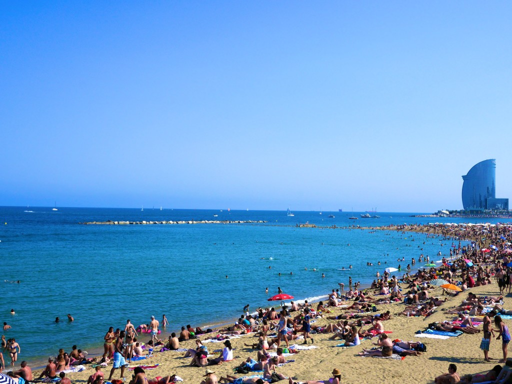 Barceloneta - Barcelona Travel Guide